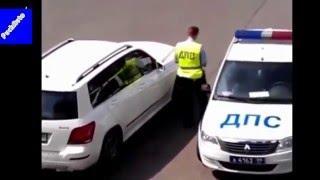 Авто приколы девушки за рулем)))
